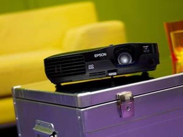 Портативная модель проектора