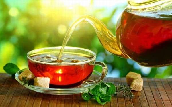 Чем можно вывести пятна от чая?