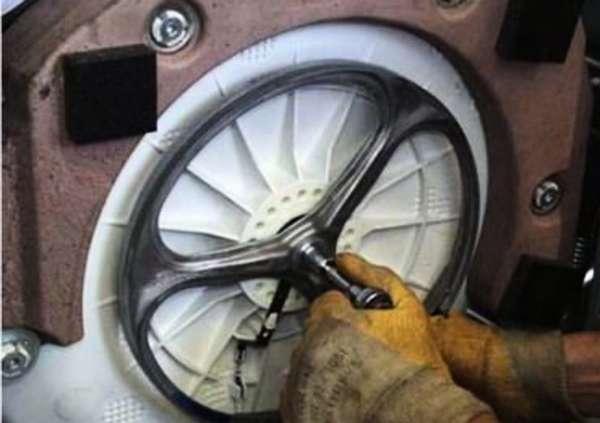 Как снять барабан на стиральной машине