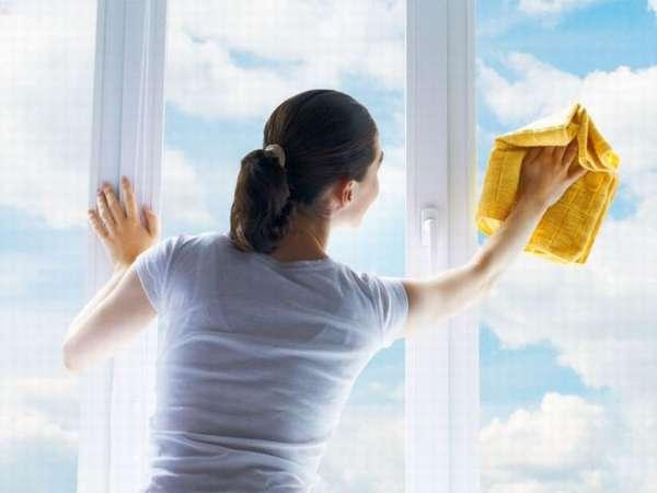 Рекомендации и способы, как быстро вымыть окно