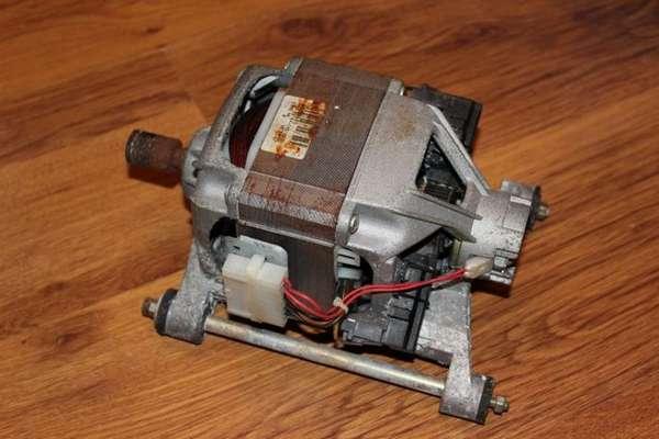 Электромотор стиральной машинки