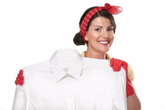 Народные средства выведения пятен на белой одежде