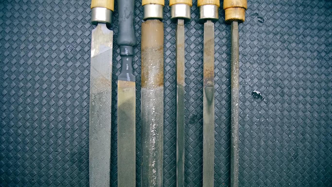 Пример очистки металла, до и после.
