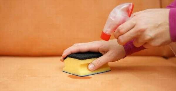 Чем оттереть пятна на мебели и обуви из кожзама легко и просто