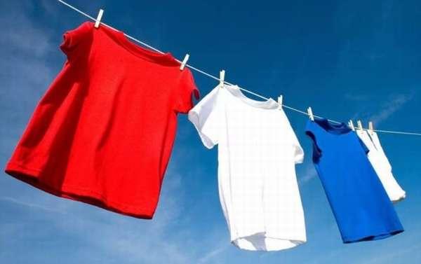 Как постирать майку вручную и в стиральной машине