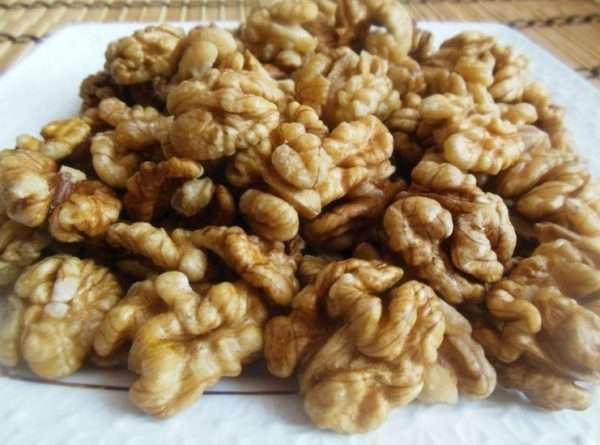 Как хранить очищенные грецкие орехи и фундук в домашних условиях