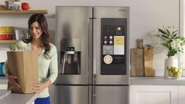 холодильник и хозяйка