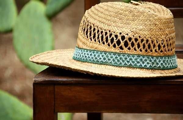 Чистка соломенной шляпы