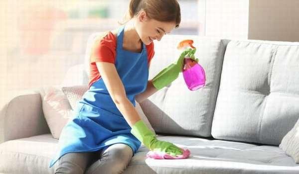 Способы удаления пятен крови с обшивки мягкой мебели