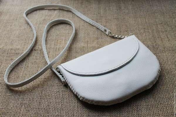 Чистая кожаная сумочка