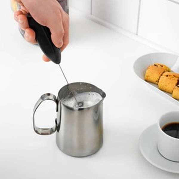 Как использовать вспениватель молока