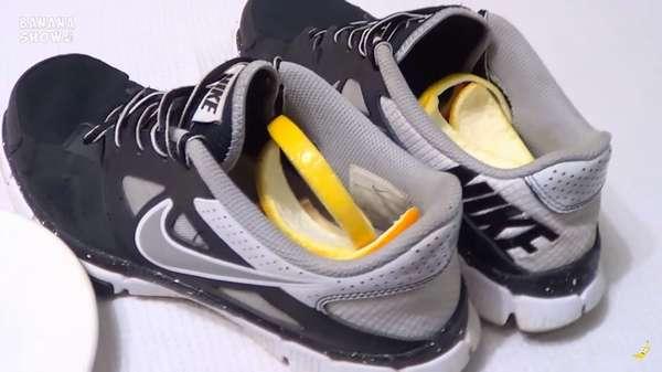 Кожура лимона хорошо освежает кроссовки.