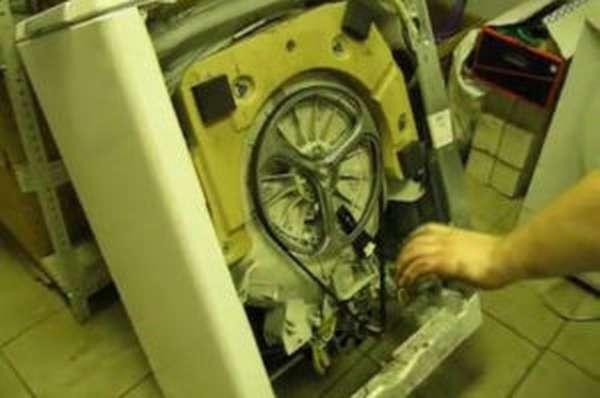 Искрит стиральная машина