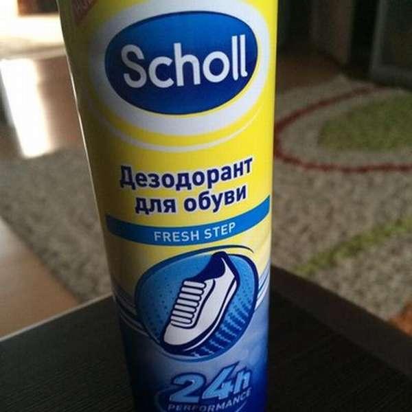 Качественный дезодорант для обуви перебьет неприятный запах.