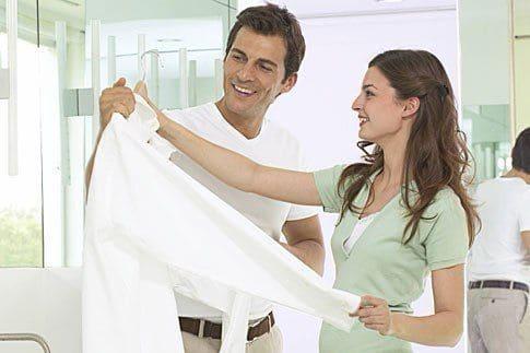 Как кипятить белую рубашку и вернуть белоснежный вид