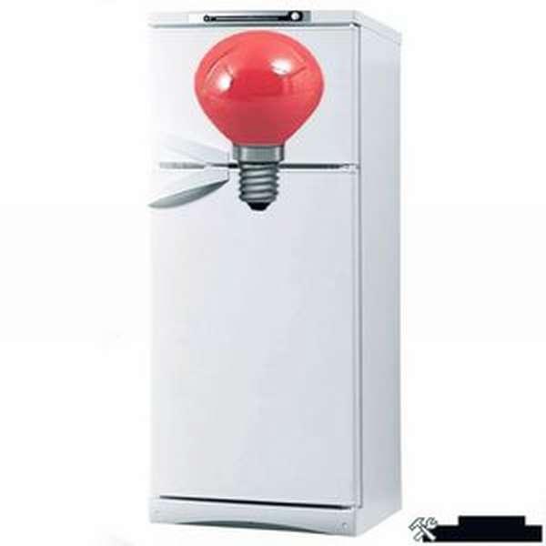 Красный индикатор на холодильнике
