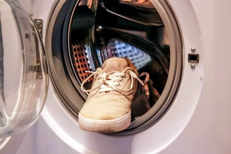 Как постирать новые и старые кроссовки, чтобы они не воняли