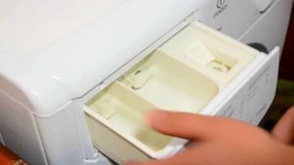 Как снять лоток для порошка в стиральной машине