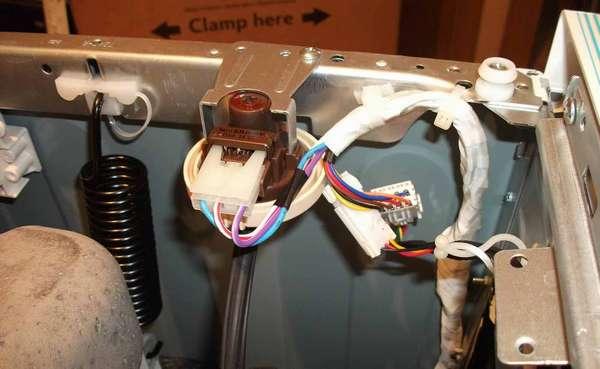 Датчик уровня воды стиральной машины