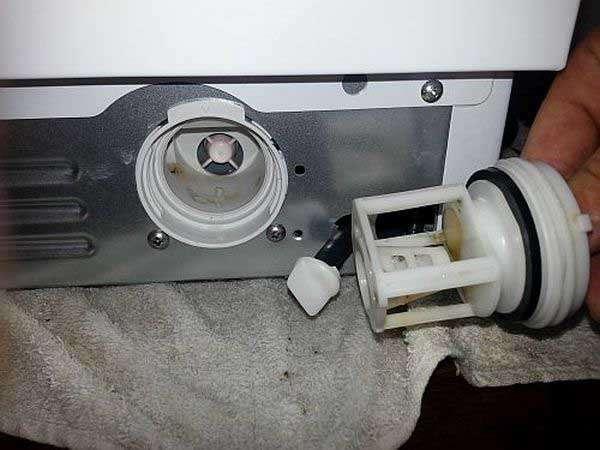 Чистка сливного фильтра стиральной машины