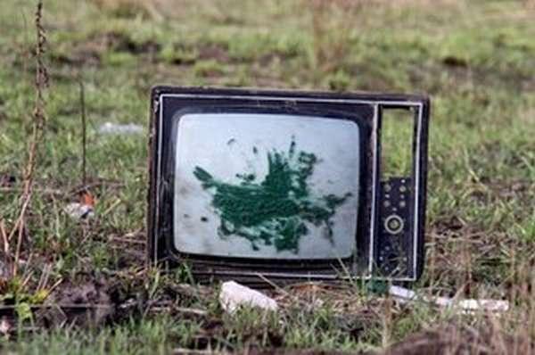 Какие бывают старые телевизоры и куда их сдавать