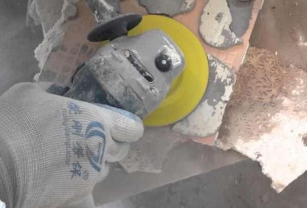 Чем отмыть тротуарную плитку от цемента после укладки,пыли,налета или грязи