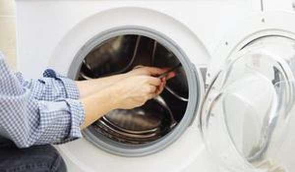 Способы демонтажа дополнительных элементов стиральной машины Индезит