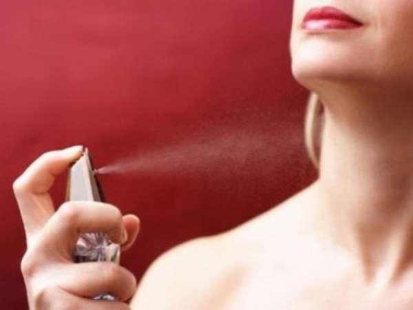 Можно избавиться аромата даже самых качественных духов.