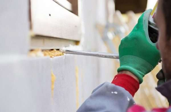 Чем очистить монтажную пену, какие есть средства, чтобы оттереть, убрать или растворить ее с любых поверхностей