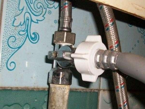 Подсоединение стиральной машины к водопроводу