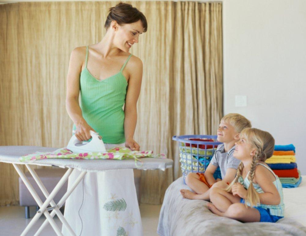Зачем гладить постельное белье после стирки: плюсы и минусы, нюансы глажки белья